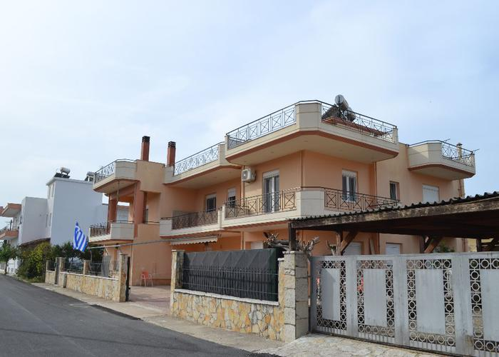 House in Nea Selefkia