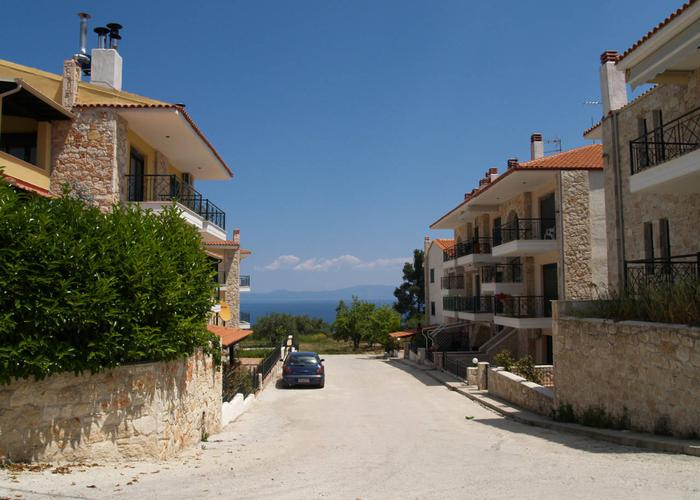 Townhouses Pelargos in Kriopigi