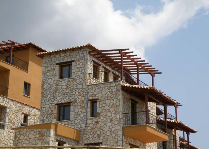 Townhouses Swallow in Loutra Chalkidiki