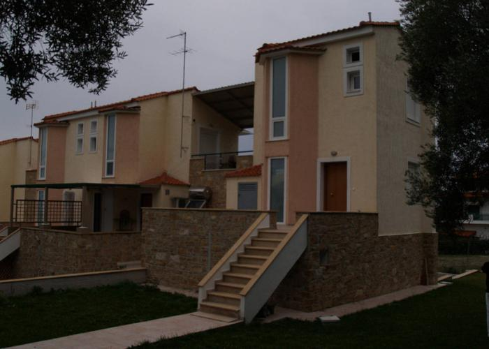 Townhouse Vertical in Skala Fourkas