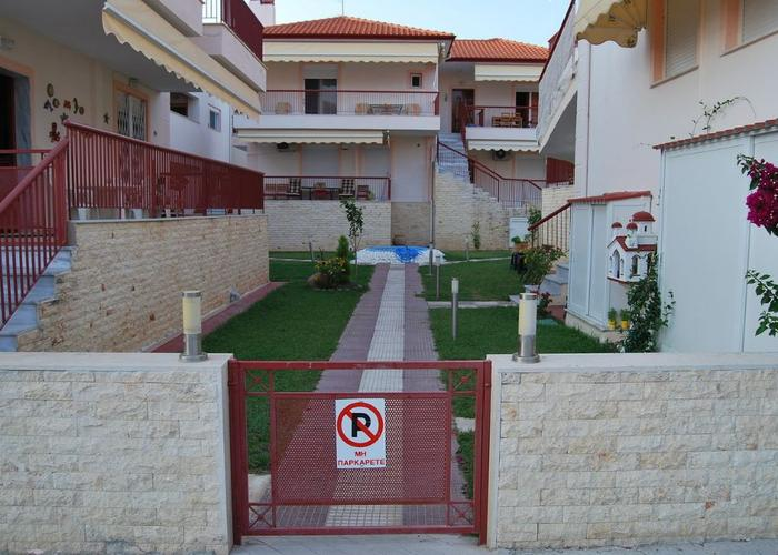 Townhouse in Skala Fourkas